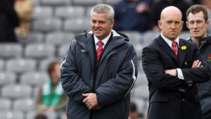 Shaun Edwards (right) and Wales coach Warren Gatland